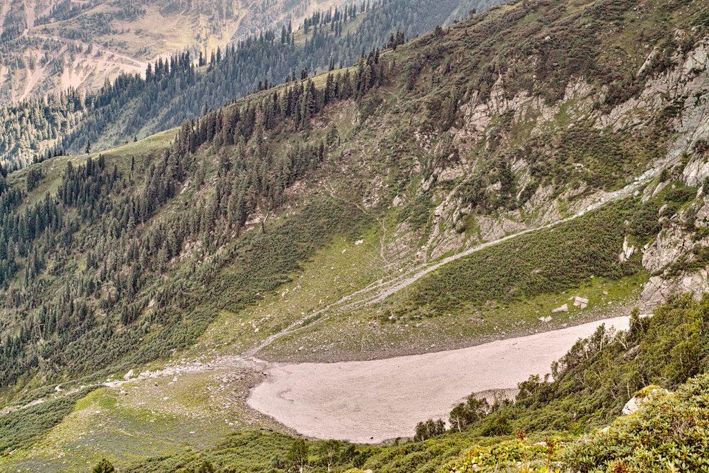 Approaching Sonbain Glacier